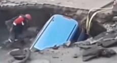 سقوط سيارة