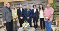 محافظ أسوان يلتقى مدير مشروع دعم تشغيل الشباب