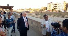 """السفير الإيطالى بمصر يستمع لشرح حول خطة إحياء """"طريق الكباش"""""""