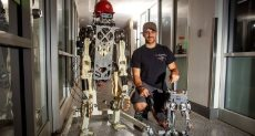 الروبوت الآلى