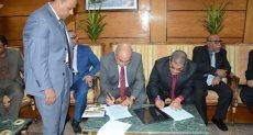 رئيس جامعة أسيوط مع نظيره اليمني