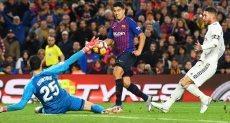 برشلونة ضد الريال فى مباراة سابقة