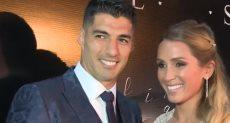 سواريز وزوجته فى حفل بمرور 10 سنوات على زواجه