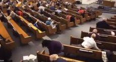 الذعر داخل الكنيسة
