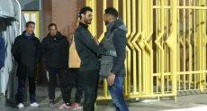 أحمد عادل عبد المنعم والشناوي بالأحضان قبل لقاء المقاصة ضد الاهلي