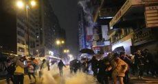 اطلاق الغاز المسيل للدموع على المتظاهرون فى هونج كونج