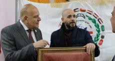 تكرم أمين اتحاد الجامعات العربية