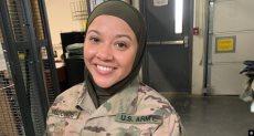مجندة أمريكية مسلمة ترتدى الحجاب