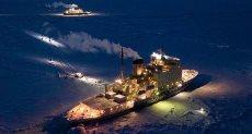 سفينة الأبحاث فى القطب الشمالى