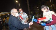 رئيس جامعة القاهرة يستقبل العائدين من الخارج بمدينة الطلاب
