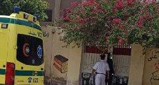 سيارة الاسعاف أمام مدارس القليوبية