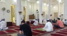 المصلون فى الكويت يؤدون أول صلاة جمعة بالمساجد بعد فتحها بعد 4 أشهر من التعليق بسبب كورونا