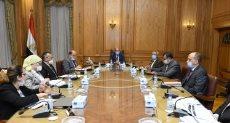 وزير الانتاج الحربى يلتقي عدد من رؤساء شركات الوزارة