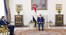 الرئيس عبد الفتاح السيسي وزوراب بولوليكاشفيلى أمين عام منظمة السياحة العالمية