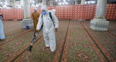 جانب من أعمال تطهير مسجد الحسين