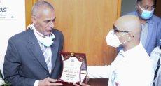 جامعة مصر تطلق اسم الشهيد محمد أشرف على مدرج بمستشفى سعاد كفافى