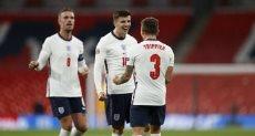 ماسون ماونت لاعب انجلترا يحتفل بالهدف الثاني