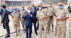 الرئيس السيسى يتفقد عدداً من المشروعات والمواقع الإنشائية بالعاصمة الإدارية