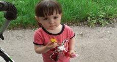 الطفلة أنجيلينا