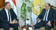 خالد صلاح مع وزير التنمية المحلية