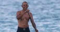 باراك أوباما يستمتع بركوب الأمواج فى هاواى