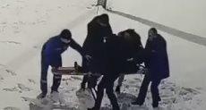 إنقاذ طفل سقط من أعلى
