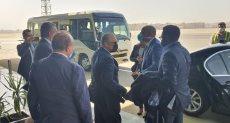 رئيس الكاف يصل مطار القاهرة