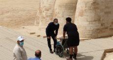 وزير السياحة والآثار الدكتور خالد العنانى يستقبل السيدة الأمريكية جلوريا فيتال