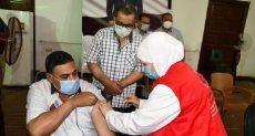 تطعيم المواطنين بلقاح كورونا